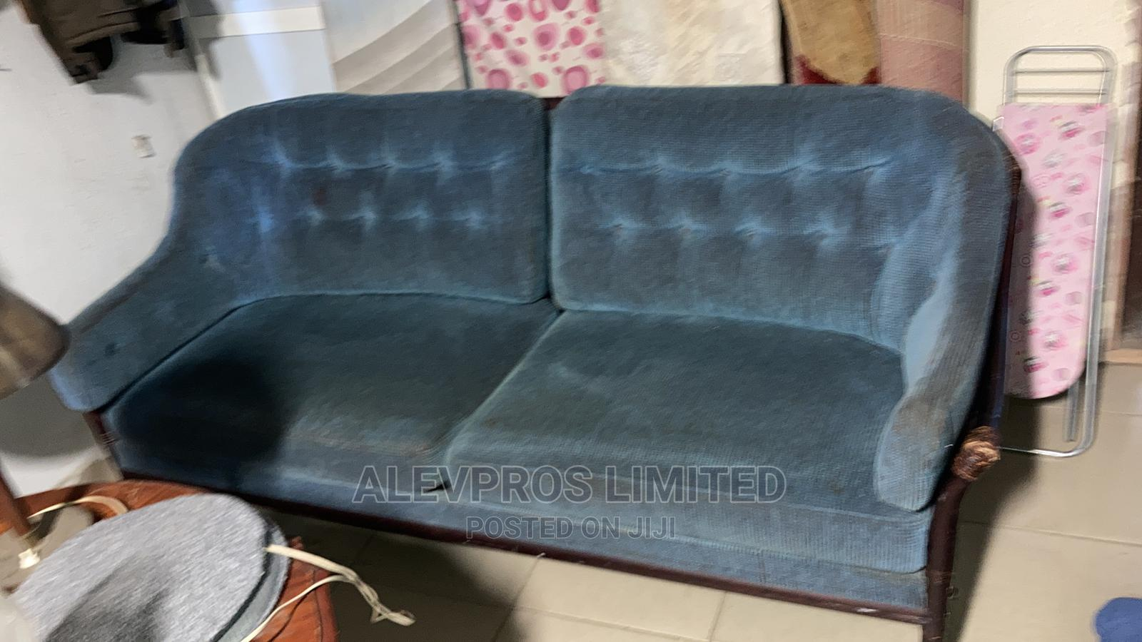 2 Seater Foreign Used Sofa Fabric With Carved Frame