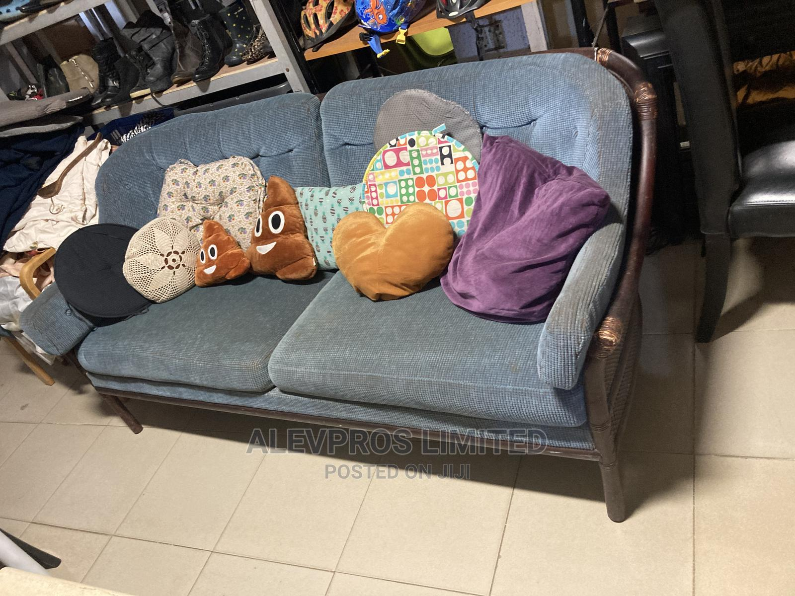 2 Seater Foreign Used Sofa Fabric With Carved Frame   Furniture for sale in Amuwo-Odofin, Lagos State, Nigeria