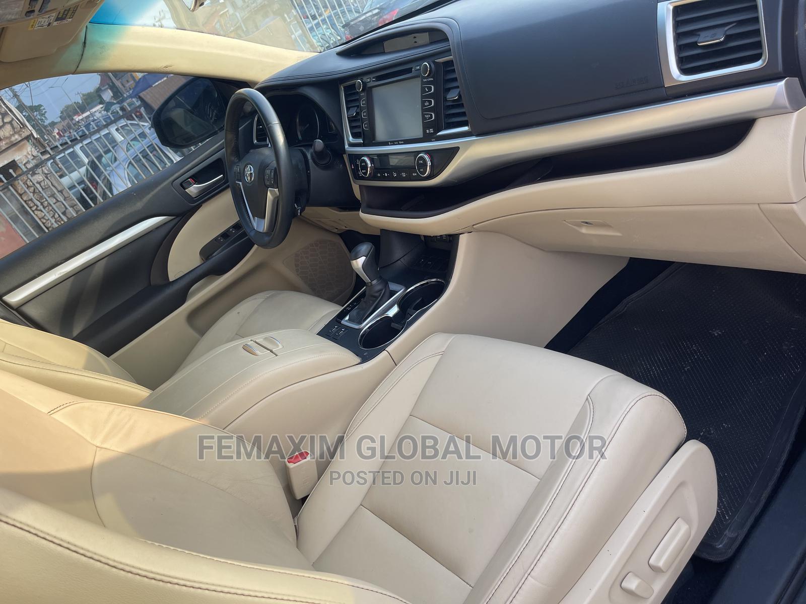 Toyota Highlander 2017 XLE 4x4 V6 (3.5L 6cyl 8A) Brown | Cars for sale in Ibadan, Oyo State, Nigeria