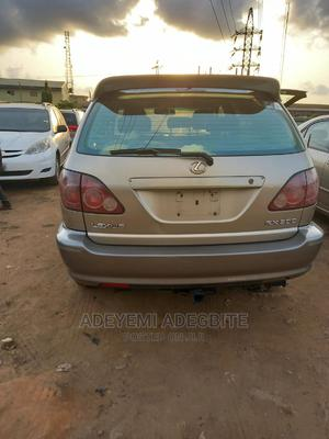 Lexus RX 1999 300 Gold   Cars for sale in Lagos State, Alimosho