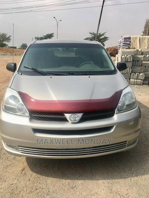 Toyota Sienna 2005 Silver | Cars for sale in Abuja (FCT) State, Gudu