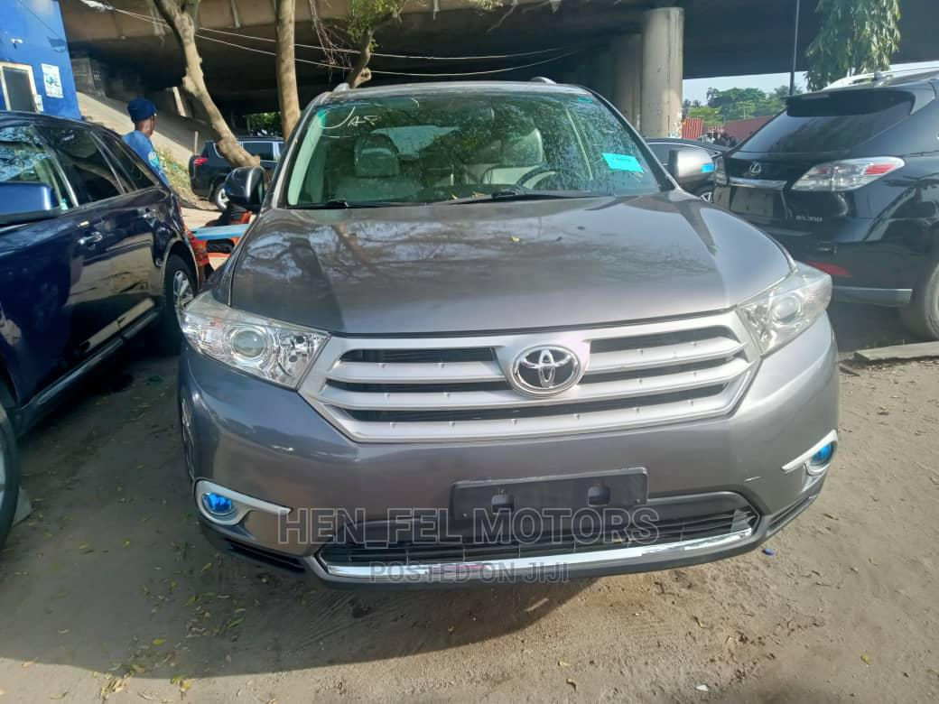 Toyota Highlander 2013 Limited 3.5L 2WD Gray | Cars for sale in Amuwo-Odofin, Lagos State, Nigeria