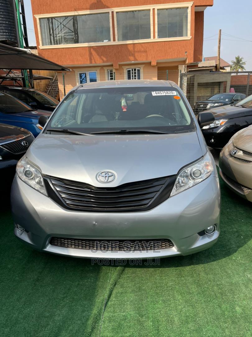Toyota Sienna 2014 Green