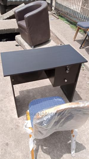 Simple 3feet Table   Furniture for sale in Lagos State, Maryland