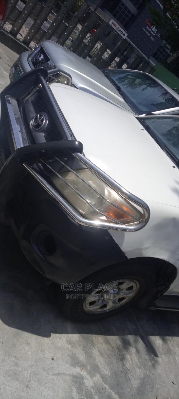 Archive: Toyota Hilux 2009 2.7 VVT-i 4X4 SRX White