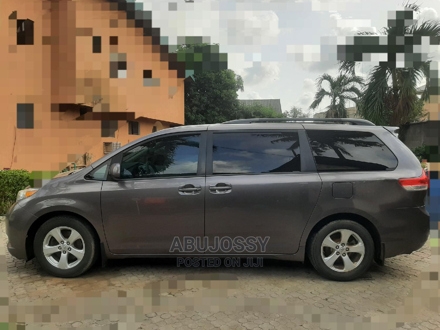 Archive: Toyota Sienna 2012 LE 8 Passenger Gray