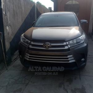 Toyota Highlander 2017 LE 4x4 V6 (3.5L 6cyl 8A) Gray | Cars for sale in Lagos State, Abule Egba