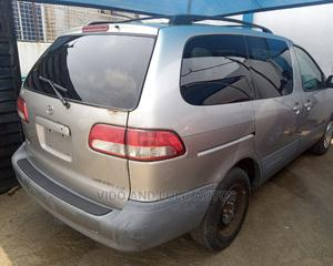 Toyota Sienna 2002 Gold | Cars for sale in Lagos State, Ikeja