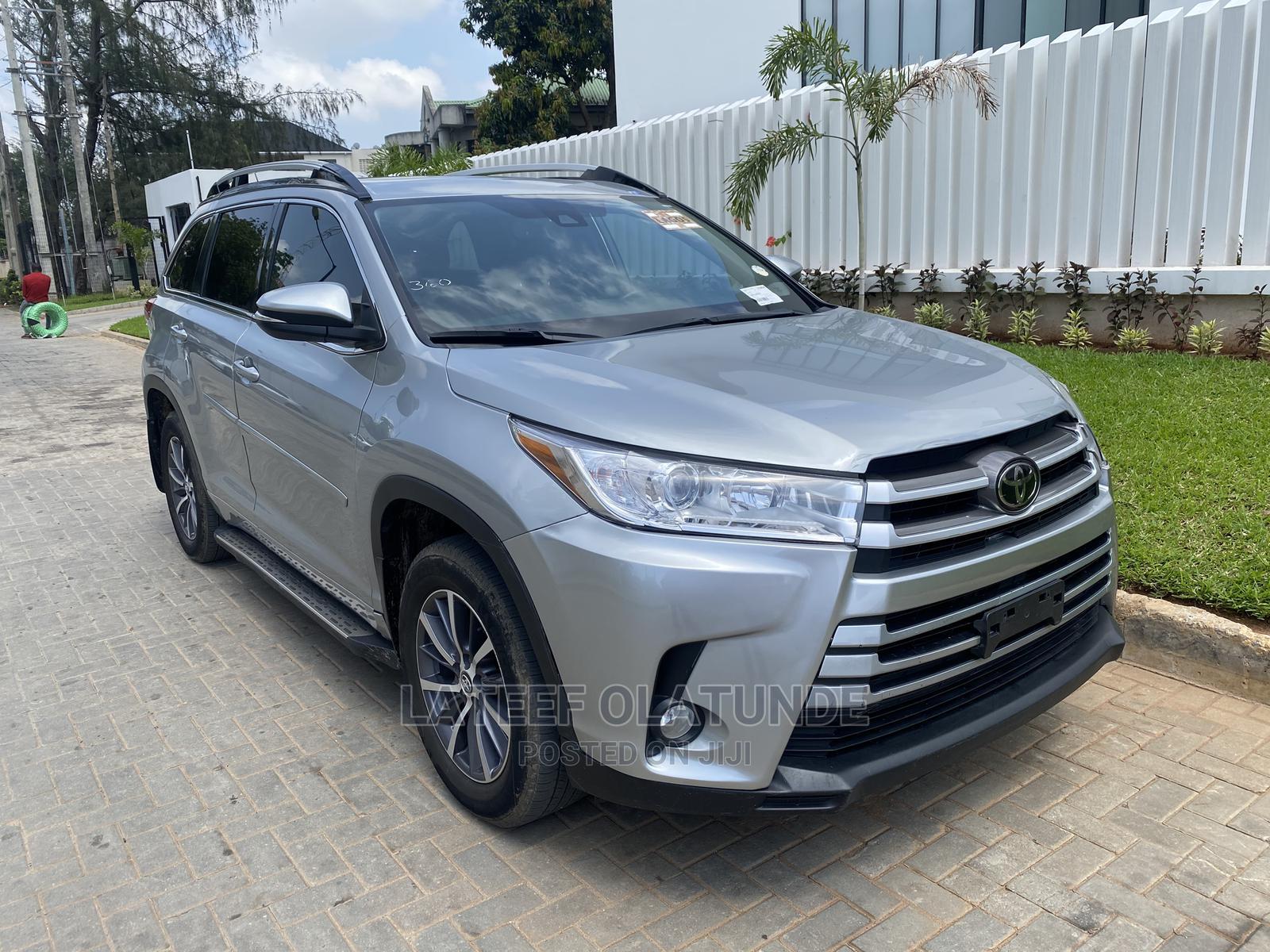 Toyota Highlander 2018 Silver