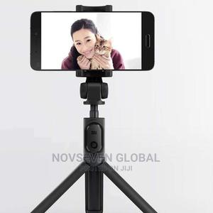 Bluetooth Selfie Stick Tripod   Accessories for Mobile Phones & Tablets for sale in Lagos State, Victoria Island