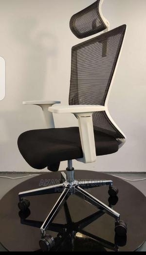 Mesh Office Swivel Chair With Headrest | Furniture for sale in Lagos State, Ilupeju