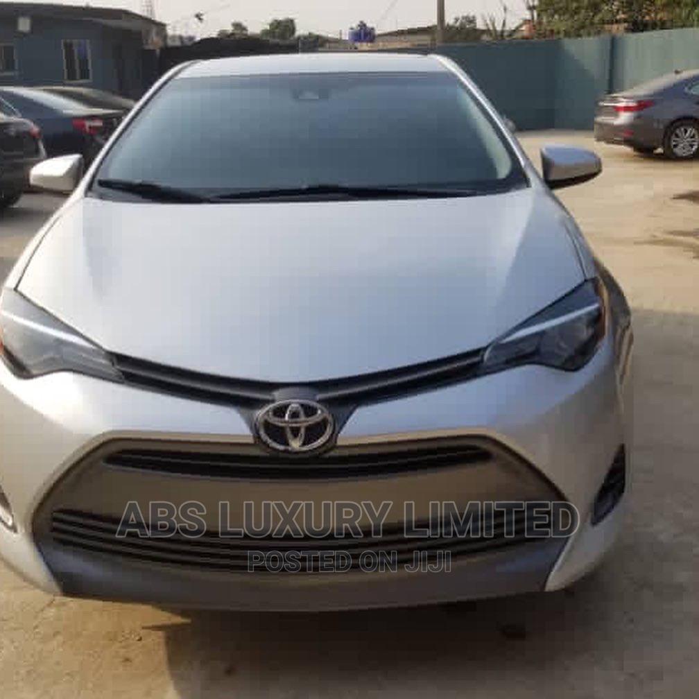 Archive: Toyota Corolla 2018 LE (1.8L 4cyl 2A) Silver