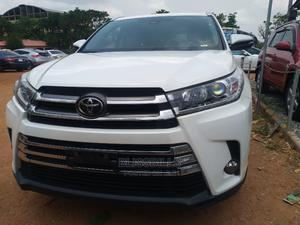 Toyota Highlander 2018 XLE 4x4 V6 (3.5L 6cyl 8A) White | Cars for sale in Abuja (FCT) State, Central Business District