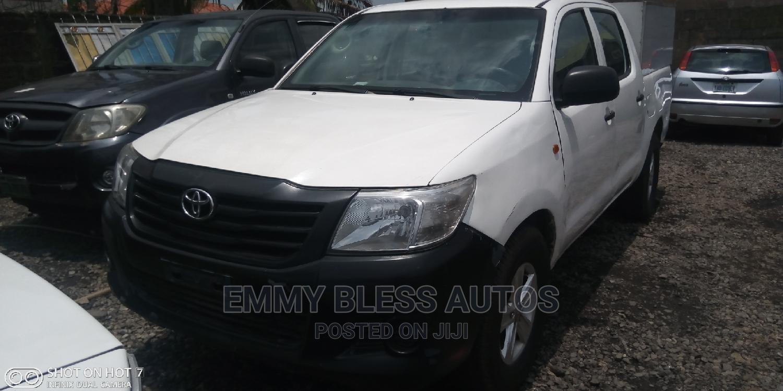 Toyota Hilux 2013 SR 4x4 White   Cars for sale in Ojodu, Lagos State, Nigeria