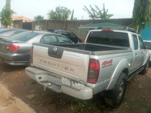 Nissan Frontier 2004 SVE V6 King Cab 4WD Silver   Cars for sale in Lagos State, Alimosho