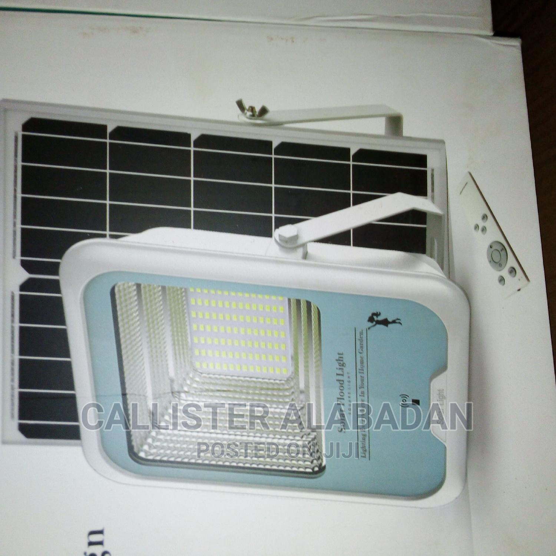 200 Watt Solar Flood Light for Compound and Street
