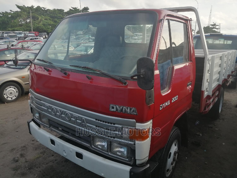 Toyota Dyna 200 OX Colour