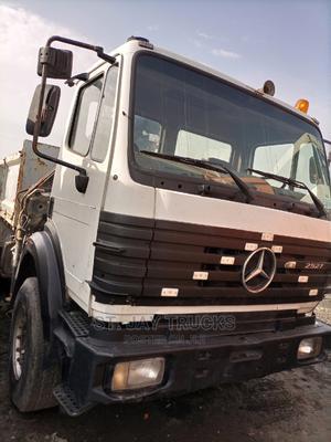 Mercedes Benz 2015 White | Trucks & Trailers for sale in Lagos State, Amuwo-Odofin