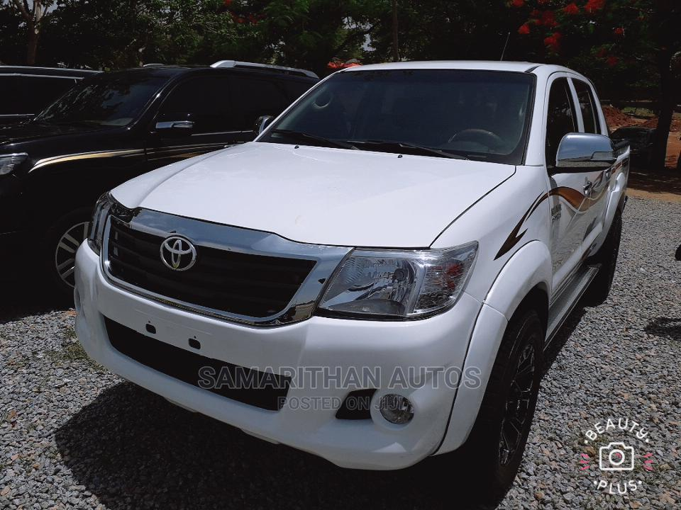 Toyota Hilux 2014 WORKMATE 4x4 White