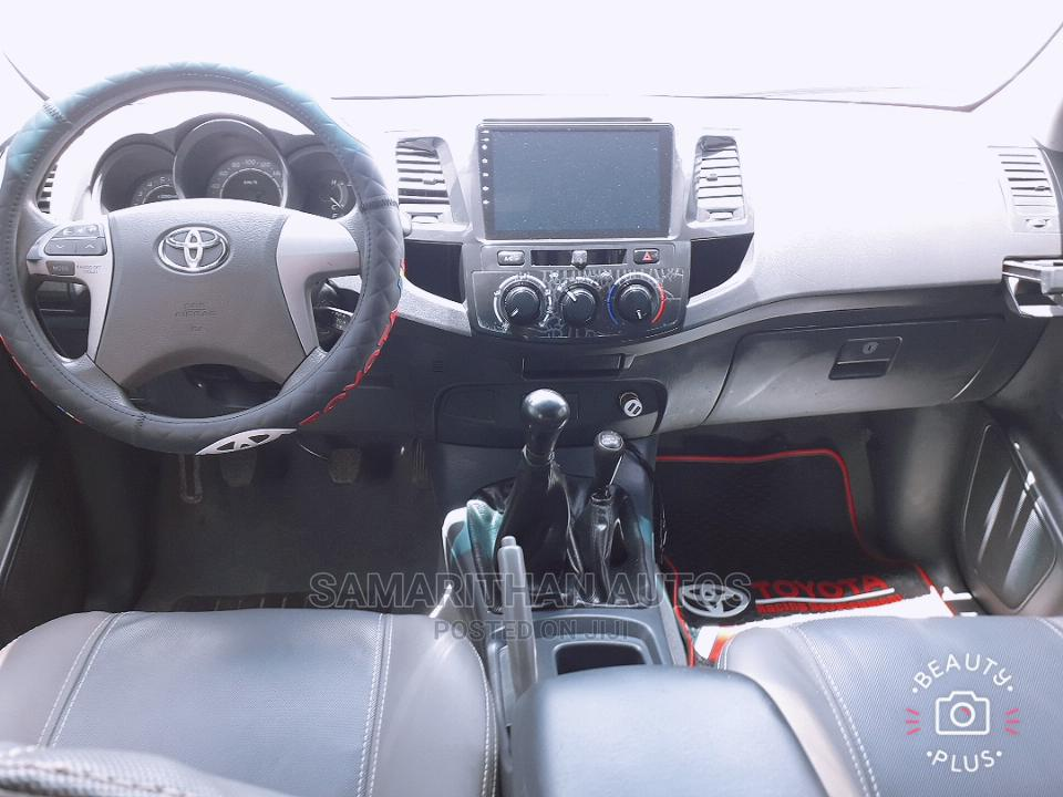 Toyota Hilux 2014 WORKMATE 4x4 White | Cars for sale in Kubwa, Abuja (FCT) State, Nigeria