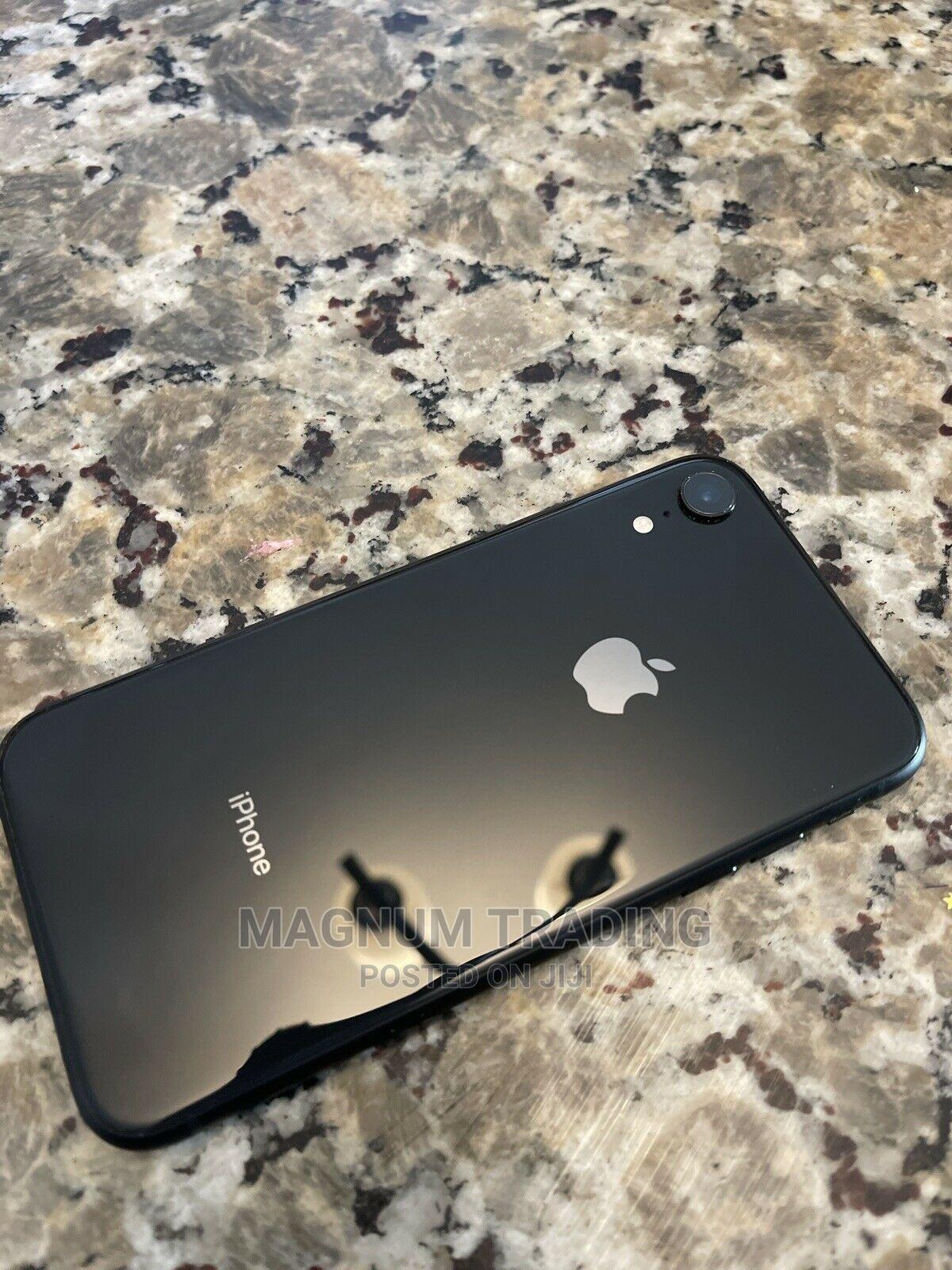 Archive: Apple iPhone XR 128 GB Black