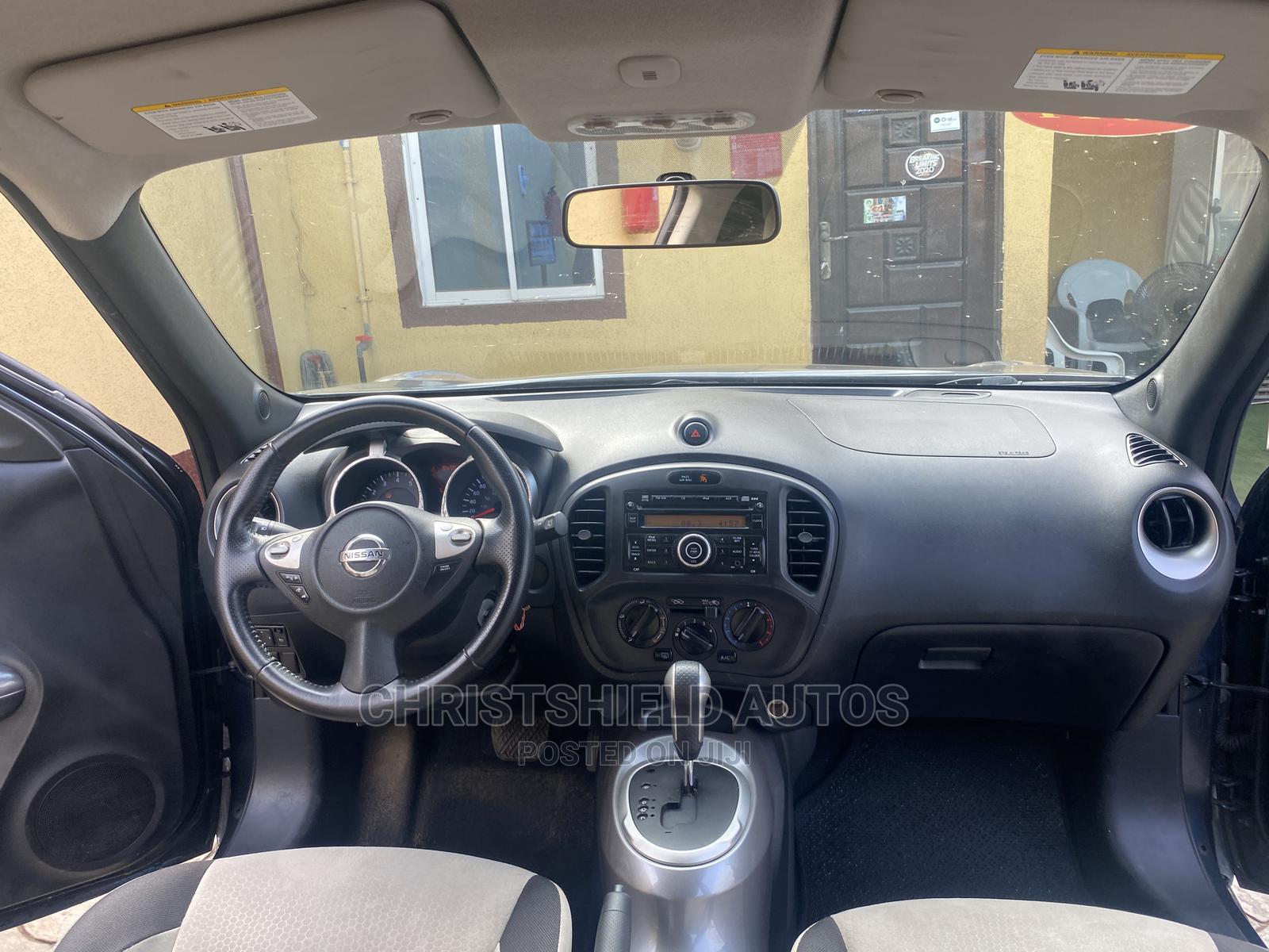Archive: Nissan Juke 2011 SV Gray