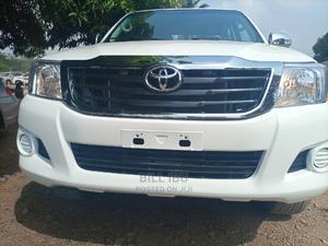Toyota Hilux 2012 White | Cars for sale in Abuja (FCT) State, Apo District