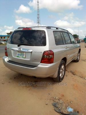 Toyota Highlander 2006 Silver | Cars for sale in Lagos State, Ojo