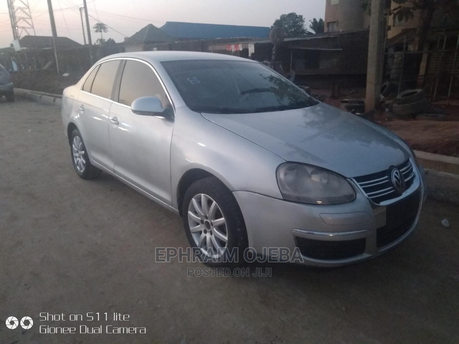 Archive: Volkswagen Jetta 2008 1.6 Trendline Silver
