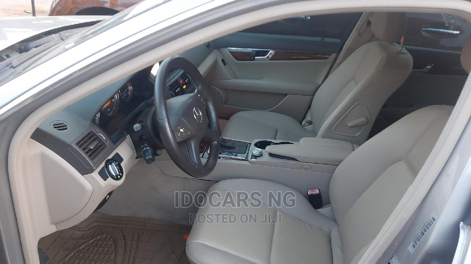 Mercedes-Benz C300 2009 Gray | Cars for sale in Surulere, Lagos State, Nigeria