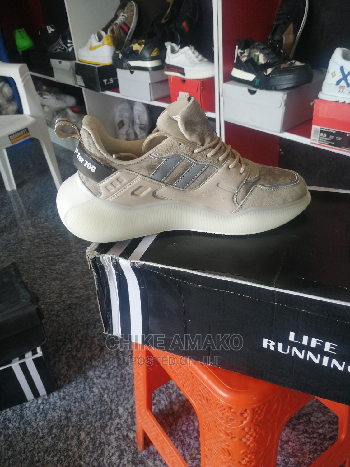 Top Notch Sneakers. High Quality on Discount | Shoes for sale in Dutse-Alhaji, Abuja (FCT) State, Nigeria