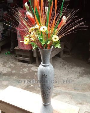 Flower Vase With Flower   Garden for sale in Lagos State, Ifako-Ijaiye