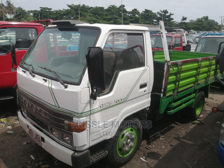 Toyota Dyna 200 1994 White