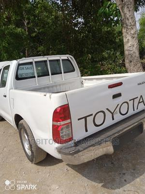 Toyota Hilux 2009 White | Cars for sale in Abuja (FCT) State, Wuse