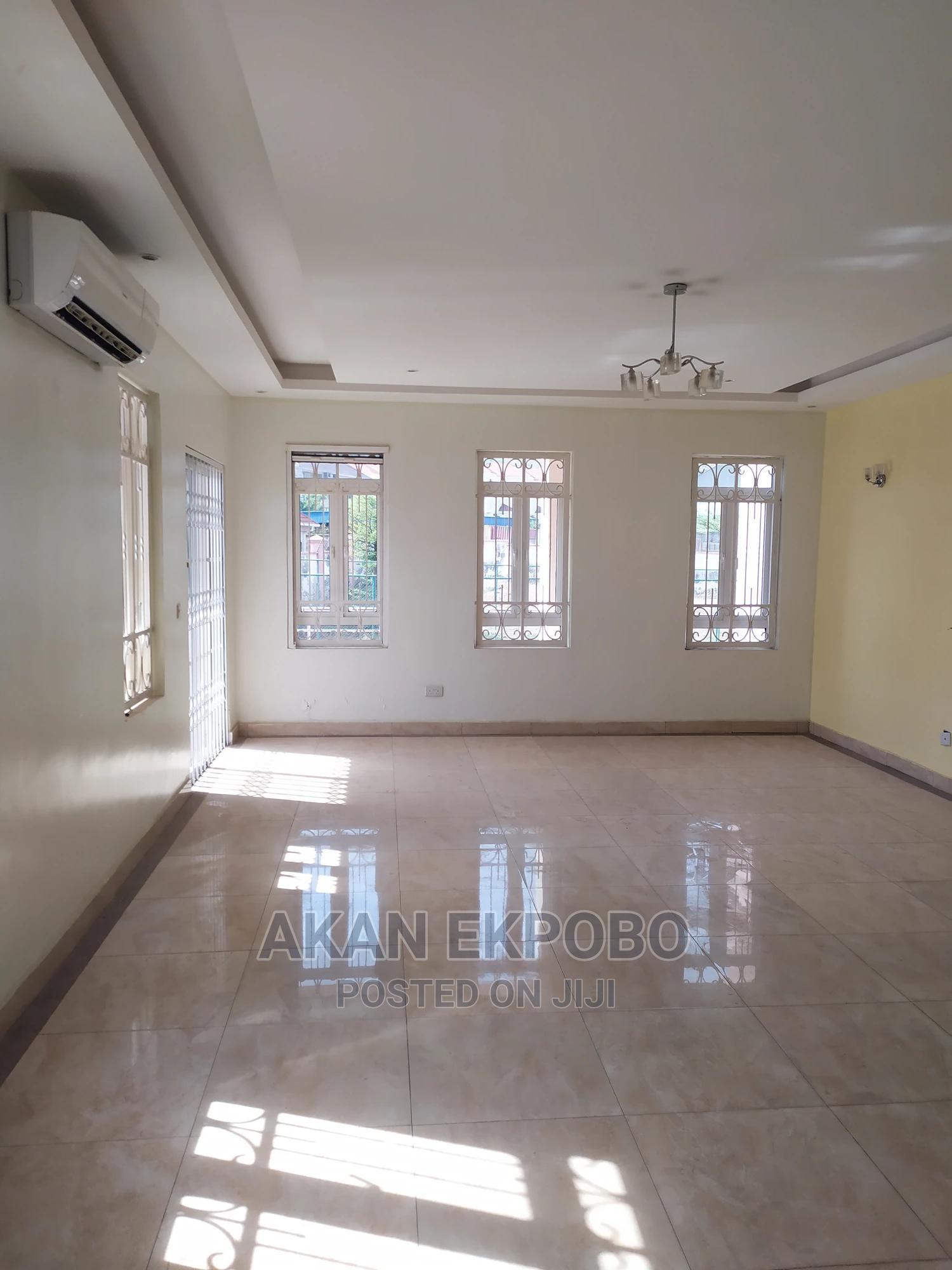 Archive: Superb 3 Bedroom Apartment Plus A BQ