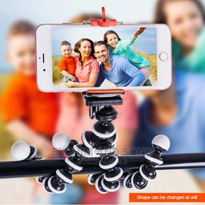 Flexible Octopus Mini Tripod Stand +Free Bluetooth Remote   Accessories & Supplies for Electronics for sale in Akwa Ibom State, Uyo