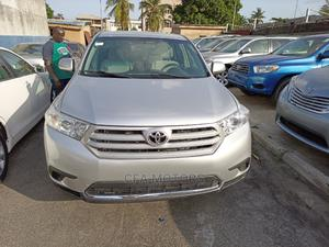 Toyota Highlander 2013 3.5L 4WD Silver | Cars for sale in Lagos State, Amuwo-Odofin