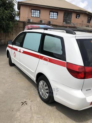 Toyota Sienna 2005 White | Cars for sale in Lagos State, Amuwo-Odofin