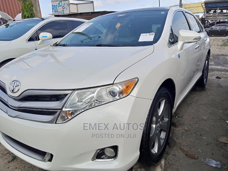 Archive: Toyota Venza 2013 XLE AWD V6 White