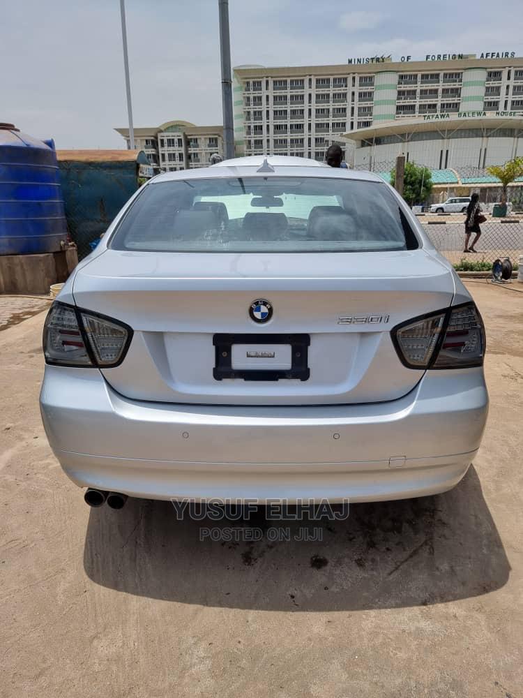 Archive: BMW 330i 2009 Silver