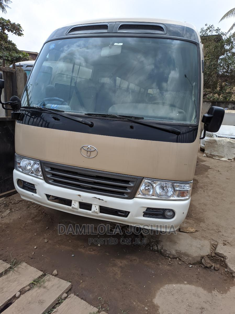 Clean Title Tokunbo Foreign Used 2012 Toyota Coaster Bus   Buses & Microbuses for sale in Ifako-Ijaiye, Lagos State, Nigeria