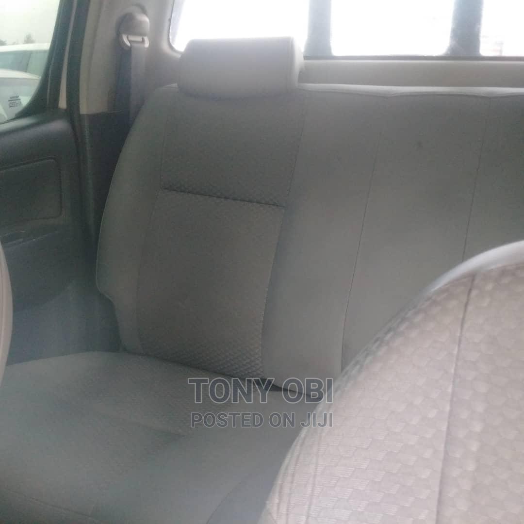 Archive: Toyota Hilux 2013 SR5 4x4 White
