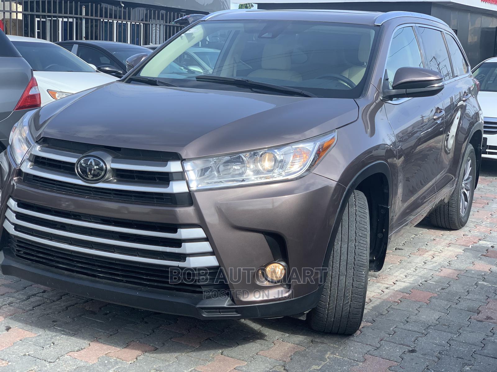 Toyota Highlander 2018 XLE 4x4 V6 (3.5L 6cyl 8A) Brown | Cars for sale in Lekki, Lagos State, Nigeria
