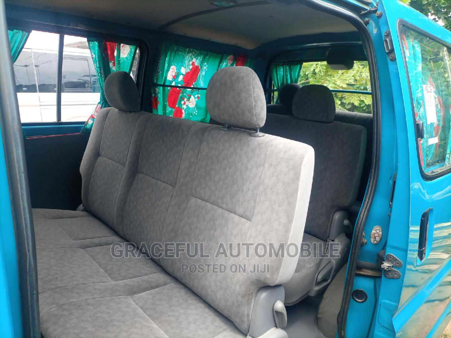 Toyota Hiace Bus Short Body 2003 Model Seats | Buses & Microbuses for sale in Apapa, Lagos State, Nigeria
