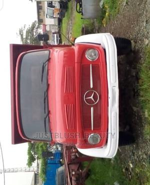 Tokunbo 911 Mercedes Benz Tipper | Trucks & Trailers for sale in Lagos State, Amuwo-Odofin