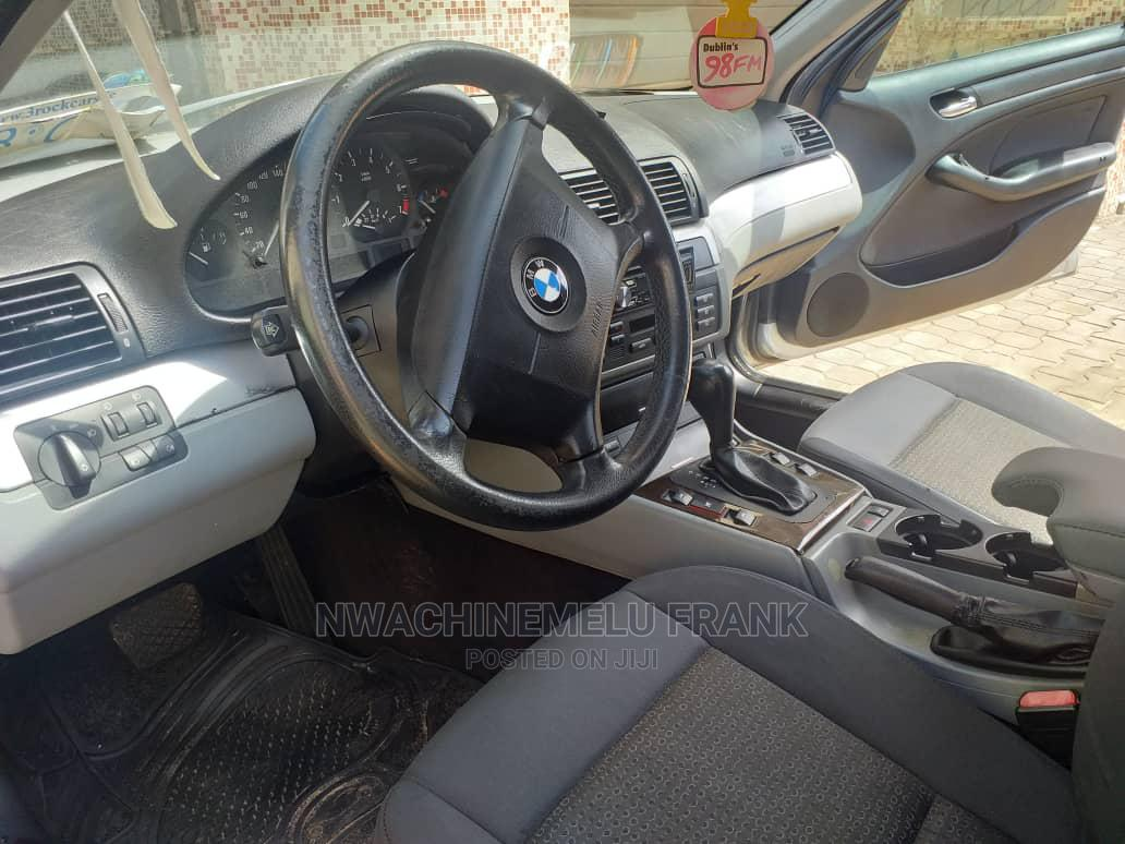 Archive: BMW 316i 2005 Gray