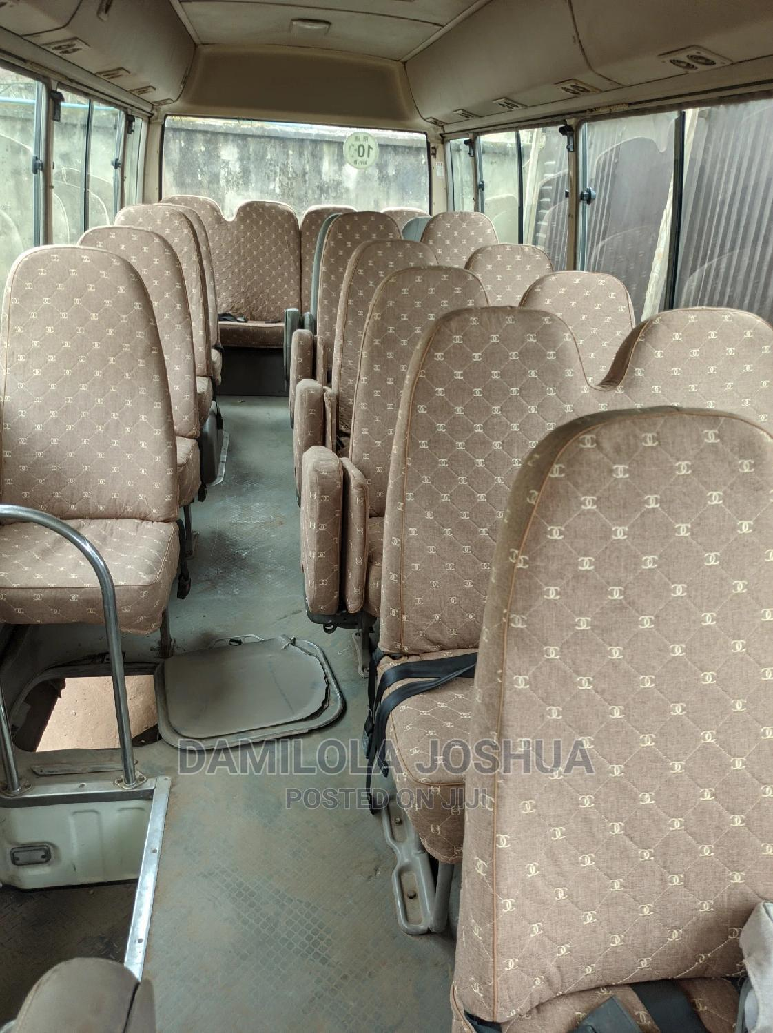 Clean Title Foreign Used Tokunbo 2010 Toyota Coaster Bus | Buses & Microbuses for sale in Ifako-Ijaiye, Lagos State, Nigeria
