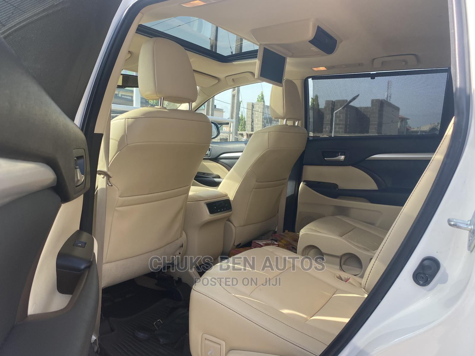 Toyota Highlander 2015 White   Cars for sale in Ajah, Lagos State, Nigeria