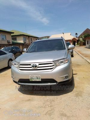 Toyota Highlander 2013 White | Cars for sale in Lagos State, Amuwo-Odofin