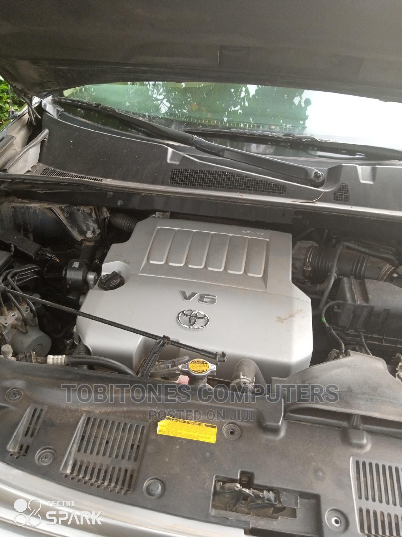 Archive: Toyota Highlander 2010 Green